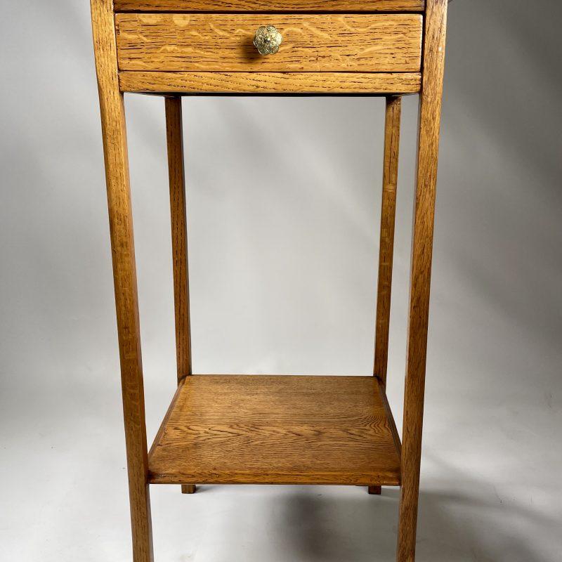 1930s Oak Side/Lamp Table